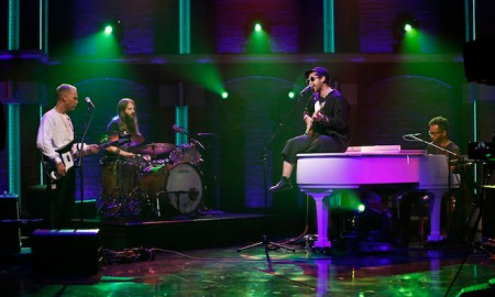 "Unknown Mortal Orchestra Perform ""Multi-Love"" On Late Night With Seth Meyers"