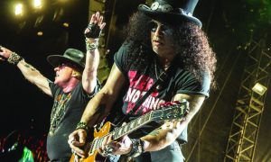 axl rose and slash of guns n roses at bc place in vancouver on september 1 2017 by jamie taylor concertaddicts