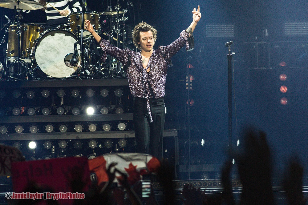 Harry Styles of one direction performing at Rogers Arena in vancouver, BC on July 7th 2018