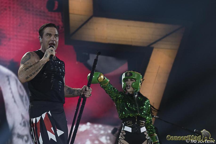 Robbie 11 - Robbie Williams fait le show à l'Accor Hôtels Arena