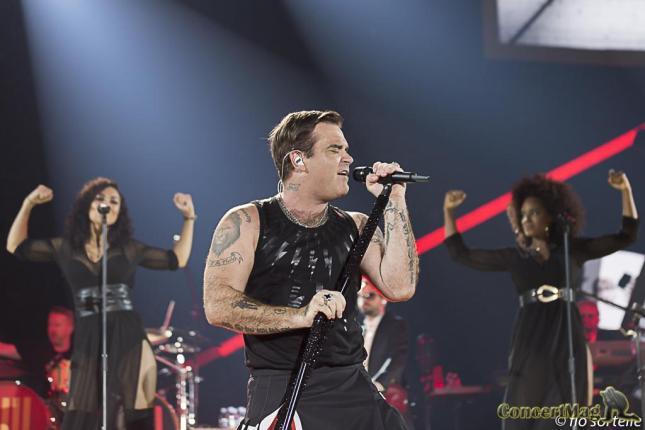 Robbie 16 - Robbie Williams fait le show à l'Accor Hôtels Arena