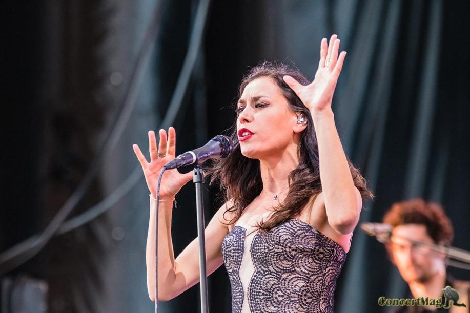 1 4 - Olivia Ruiz, le charme hispanique aux heures vagabondes.