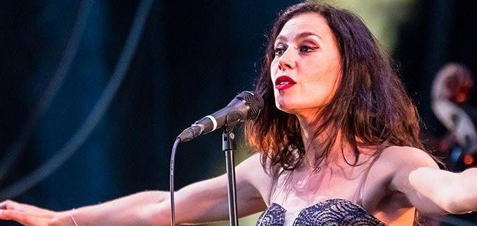 banniere e1501929795915 - Olivia Ruiz, le charme hispanique aux heures vagabondes.