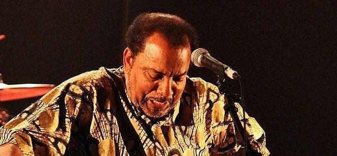 IMG 8668 Copier e1517249376407 - Bonga en concert à Castres au Lo Bolegason