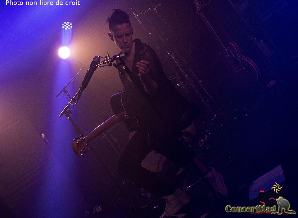 photo 43 - ALONE AND ME de l'electro rock acoustique addictif