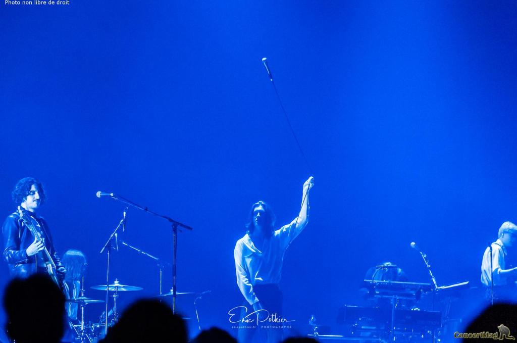 Blossoms 3 1024x679 - The Kooks au Zénith de Paris, un concert placé sous le signe de la nostalgie et de la bonne humeur.