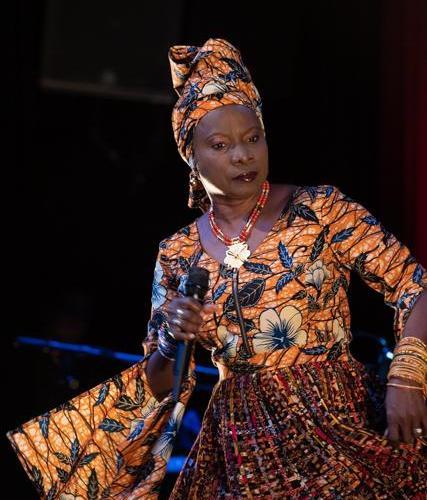 Christian Baillet Paris 2019 Angélique Kidjo Bataclan Concertmag 7 - Angélique Kidjo au Bataclan, un aller retour entre Afrique et Cuba