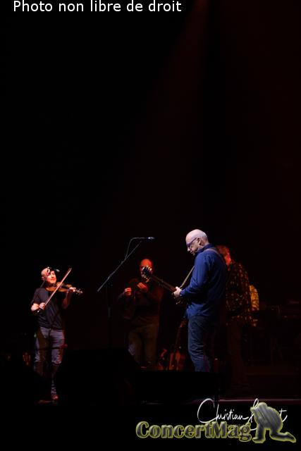 Christian Baillet Paris 2019 Mark Knopfler AccorHotels Arena 16 - Mark Knopfler en concert à Bercy, The Sultan Of Swing, l'un des derniers « guitare héros » !