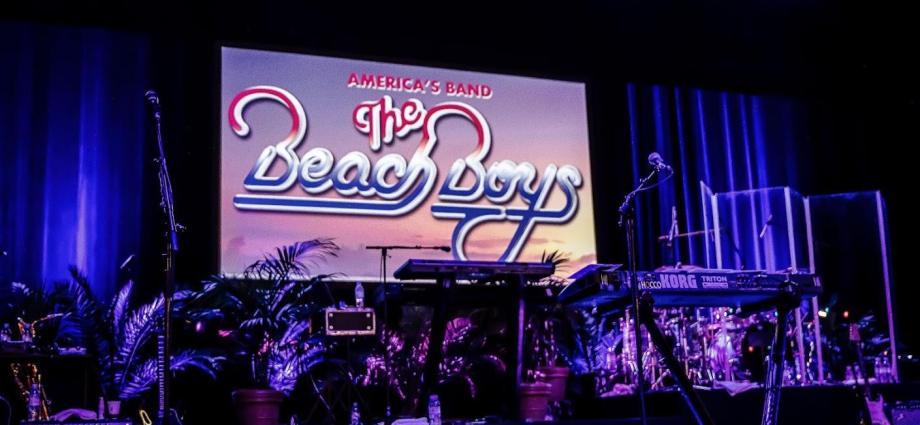 Photo 1 - The Beach Boys font surfer l'Olympia (27 juin 2019)