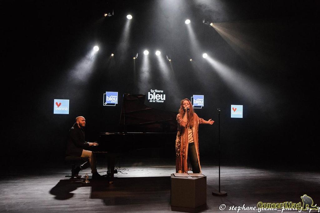 8 1 - Natasha St Pier, intime et talentueuse à Chasseneuil