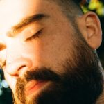 "000010770009 1 scaled e1602669353707 - Hugo Barriol chante l'amour dans ""Hey Love"""