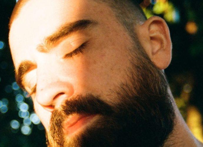 """000010770009 1 scaled e1602669353707 - Hugo Barriol dévoile son nouveau clip """"Stay"""""""