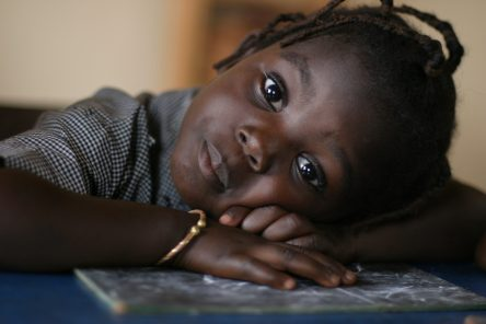 Olivier HARRASSOWSKI Bénin scaled - Rentrée scolaire perturbée : Silvàn Areg donne de la voix pour Aide et Action