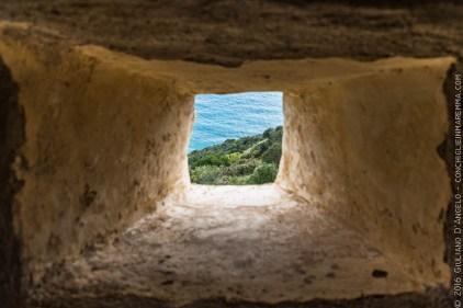 Finestra quadrata dalla vedetta del Forte Stella