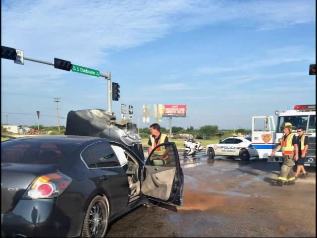 Traffic Crash and Car Fire in South San Angelo_20150722233006