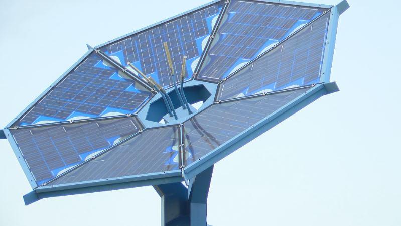 Solar panels along Interstate 35 in Austin_1507774271296.JPG