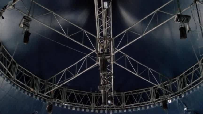Cirque_Italia_crew_set_the_stage_for_sla_0_20180426024615
