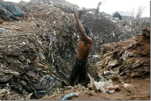 s r15 RTR2KYAG ¿El reciclaje salvará al mundo?