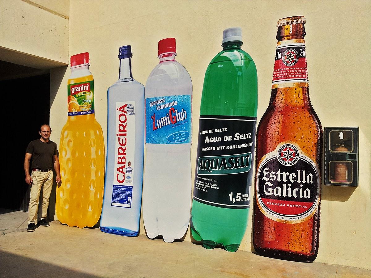 Impresión de botellas gigantes con Dibond fresado (1)