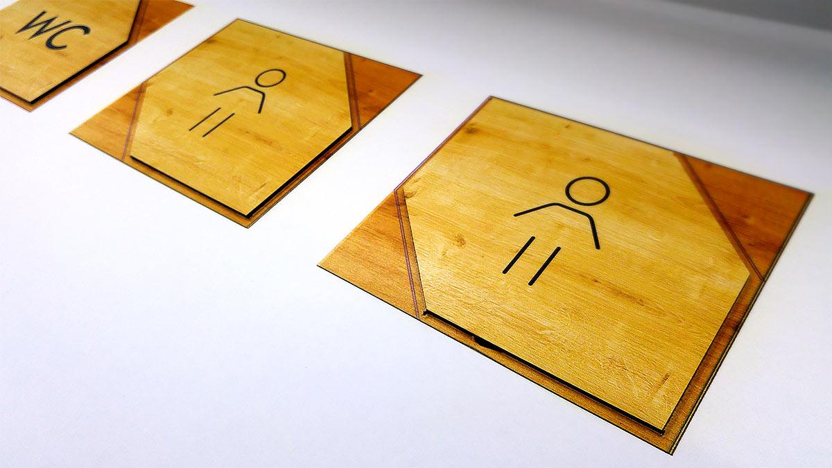 Señalética WC con imitación a madera