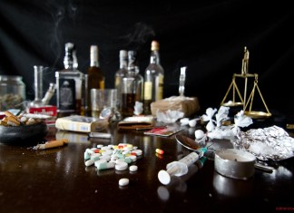 Drugs, Alcohol and Cigarettes. Photo: Flickr, Cabrera Photo