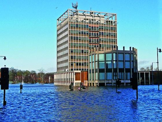 Northern England floods won't affect UK stance on global warming