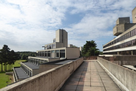 UEA charts in world top 200