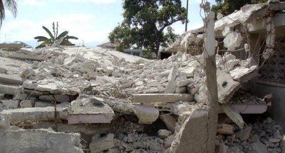 Hundreds killed by earthquake in Haiti