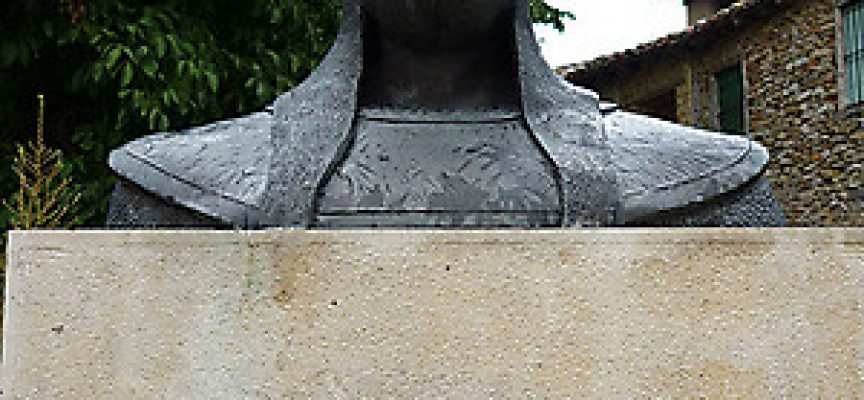 Efigie de Almanzor en Calatañazor