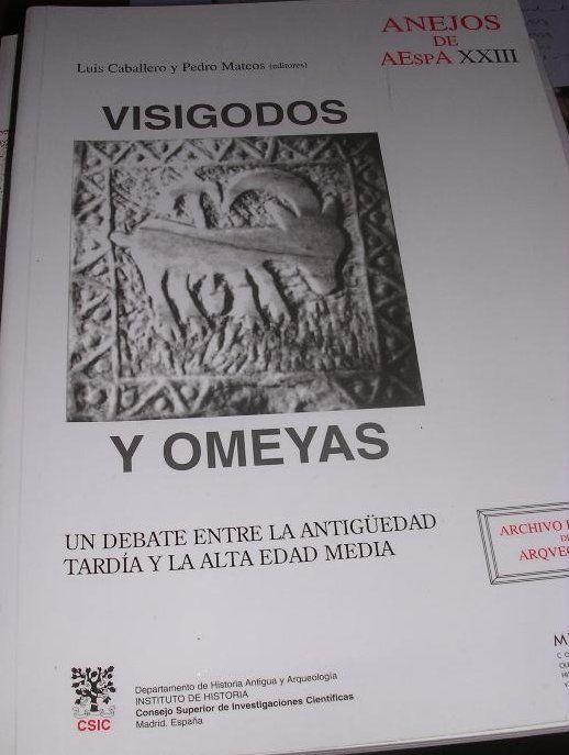 Visigodos y omeyas: un debate entre la antigüedad tardía y la alta edad media Book Cover