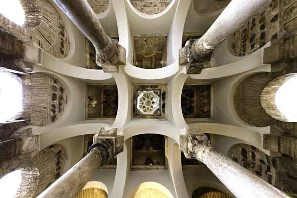 Bóvedas mezquita Bal al-Mardum o iglesia del Cristo de la Luz (Toledo)