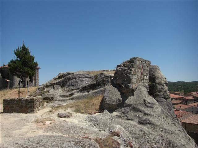 Restos del castillo de Hacinas