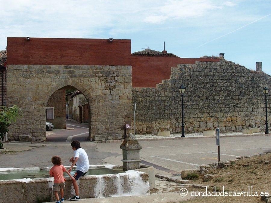 Arco del Caño y Fuente del Caño de Támara de Campos