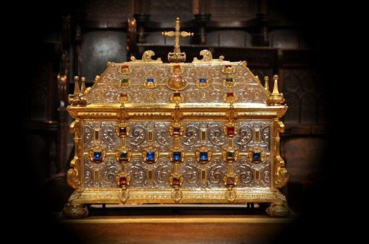 Arqueta con las reliquias de San Íñigo. Oña