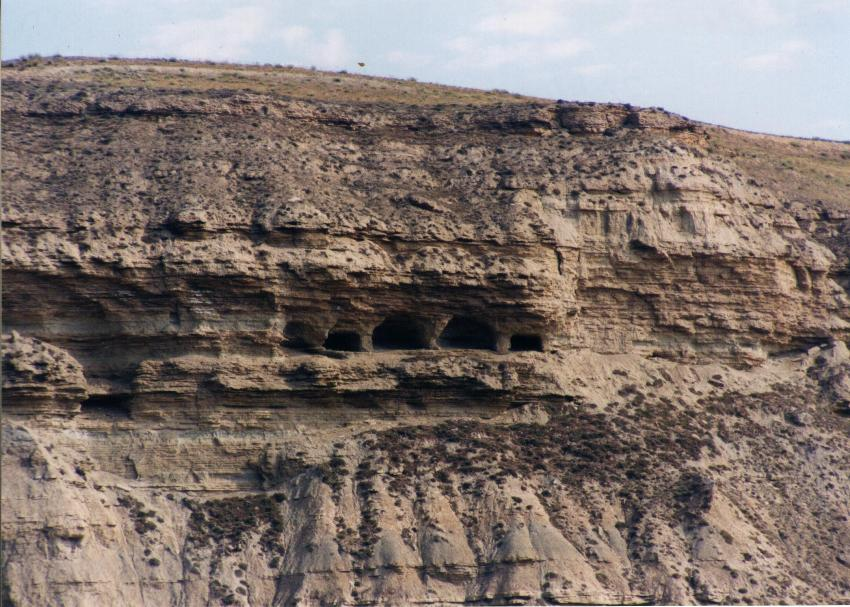 Cuevas de Sietefenestras en Quintanilleja