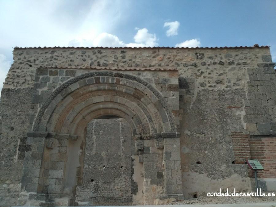 Fachada de San Miguel de Sacramenia
