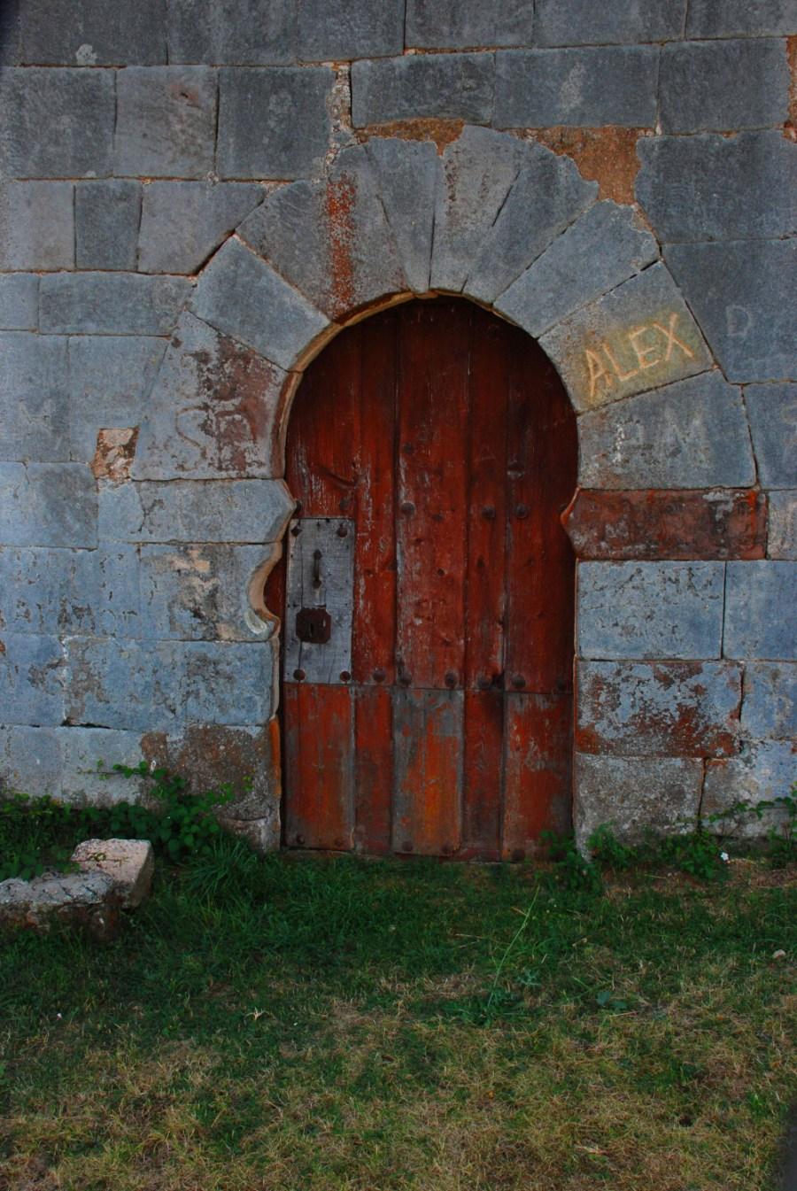 Puerta norte San Juan de Barbadillo