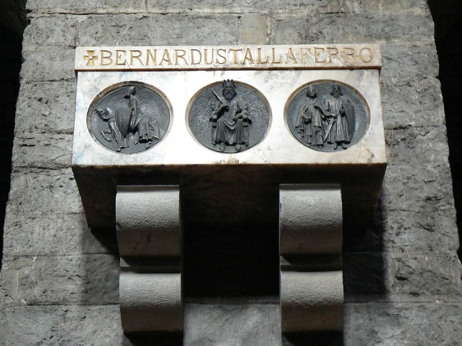 Tumba de Bernardo Tallaferro en Ripoll