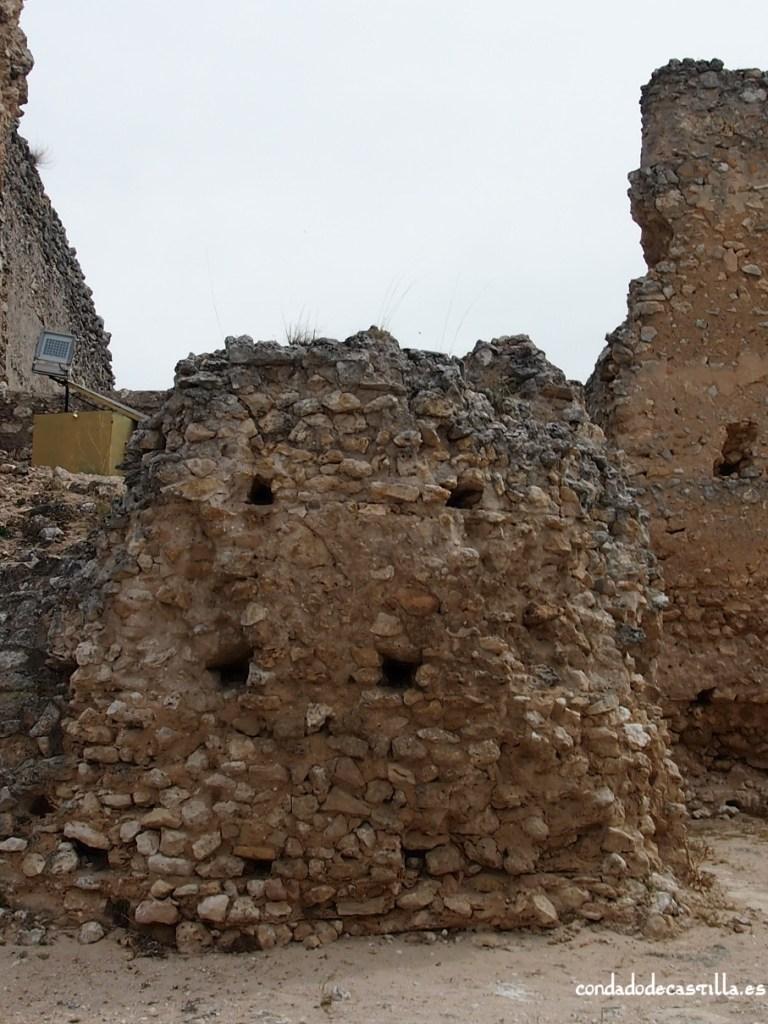 Restos torre s. X de San Martín de Fuentidueña