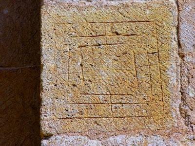 Alquerque de nueve de San Pedro de Tejada (Burgos)