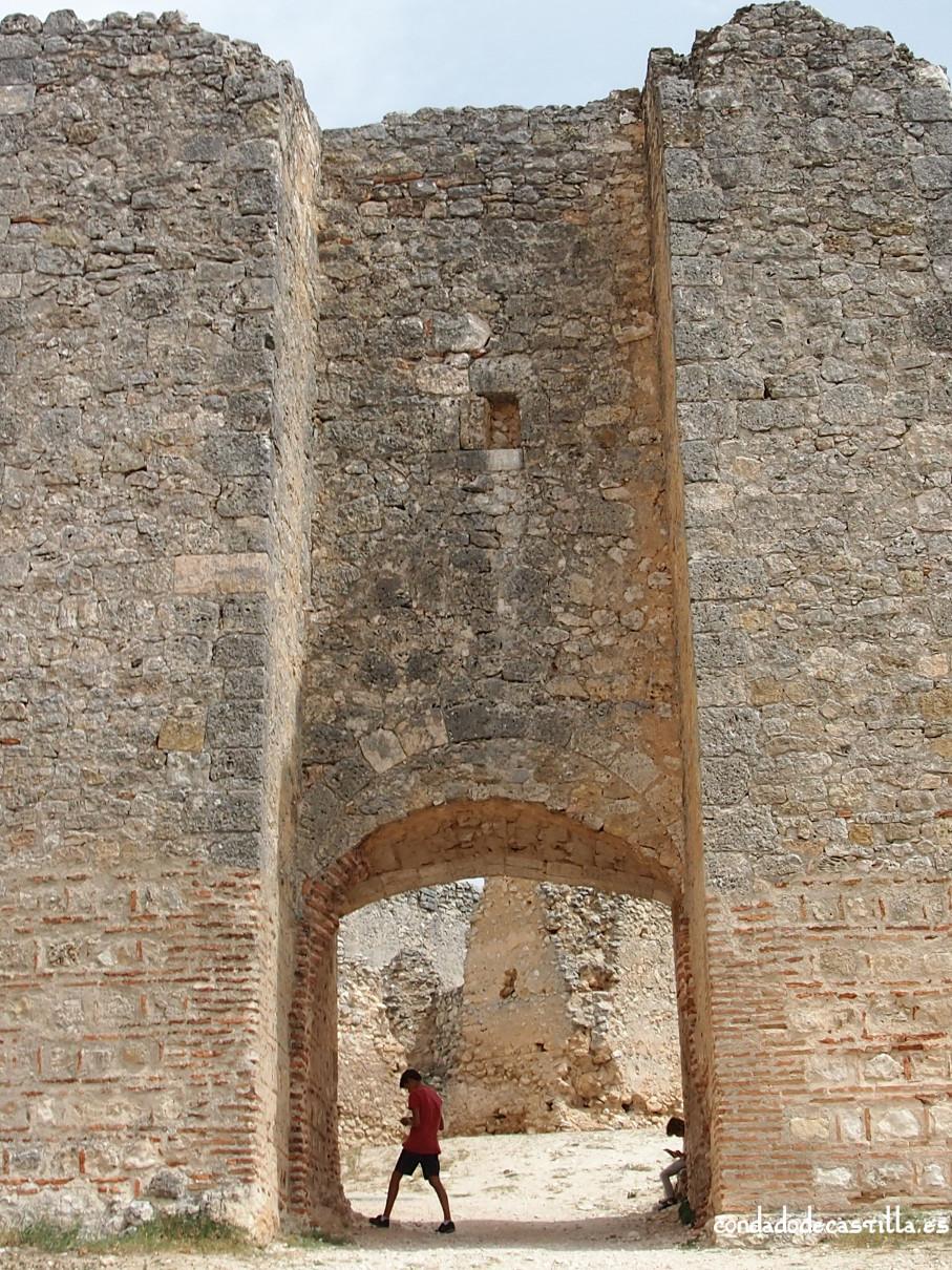 Puerta de Alfonso VIII de Fuentidueña