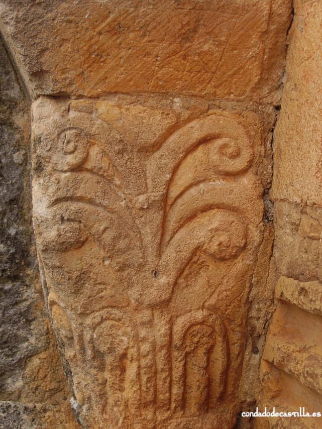Capitel portada ermita Santo Cristo