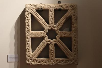 Réplica de la celosía de Enterrías hecha por Anterio en el museo diocesano de Santillana del Mar