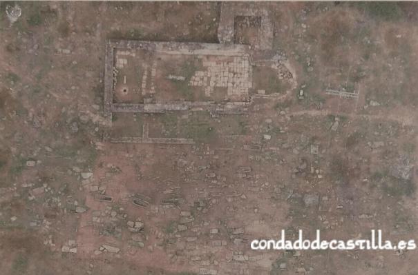 Vista aérea de la necrópolis del Castillo de Palacios de la Sierra