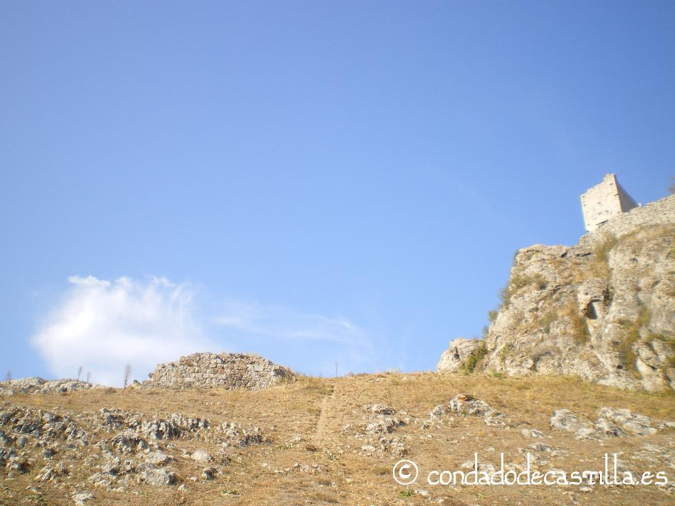Castillo de Urbel y restos de la muralla