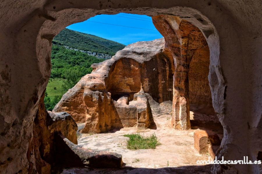 Eremitorio de San Pedro de Argés visto desde el interior