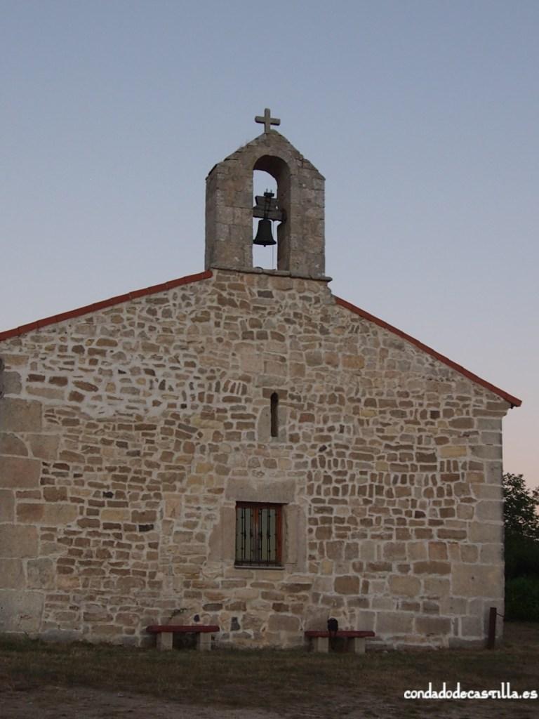 Fachada oeste de la ermita de Montesclaros de Ubierna