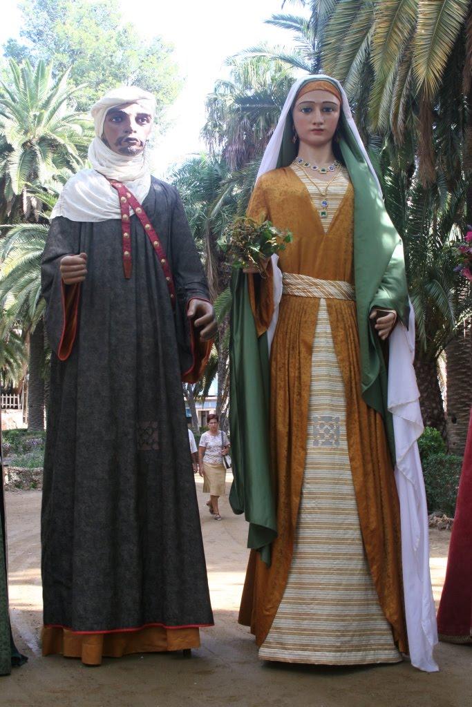Nabil y Zoraida. Gigantes árabes de Tortosa, creados en 1958 por Pedro Aixendri Chavarria