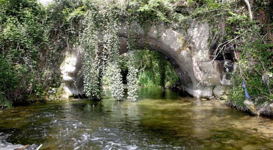 Puente romano de San García en Cerezo de Río Tirón