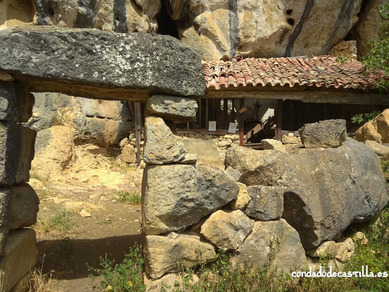 Acceso a San Juan de Socueva